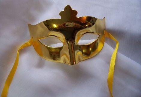 egyszínű álarc arany