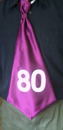 évszámos , óriás nyakkendő 80.