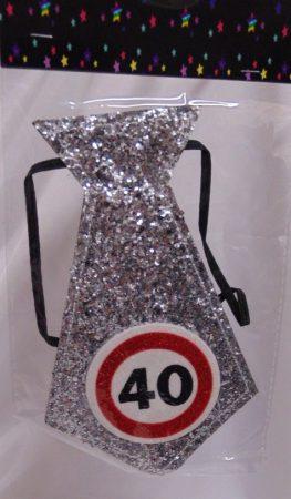 évszámos, ezüst nyakkendő 40.