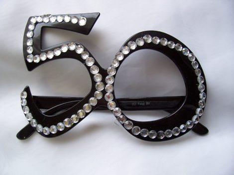 50. fekete szemüveg