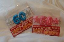 évszámos, csillámos születésnapi gyertya 60. (rózsaszín vagy kék színben)