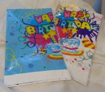 műanyag asztalterítő 120*140 cm,happy birthday