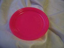 műanyag tányérok